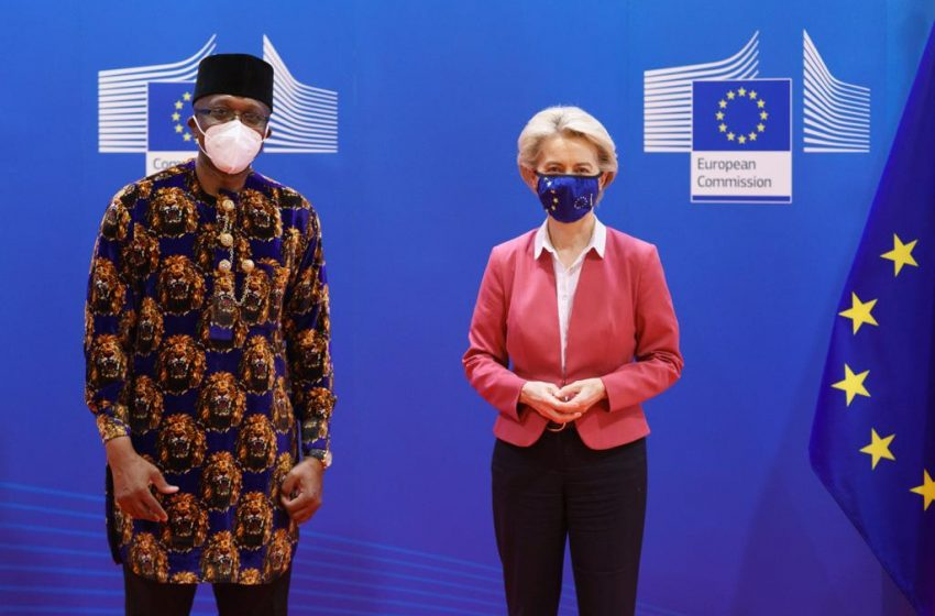Onowu presents Letters of Credence to President of the European Commission